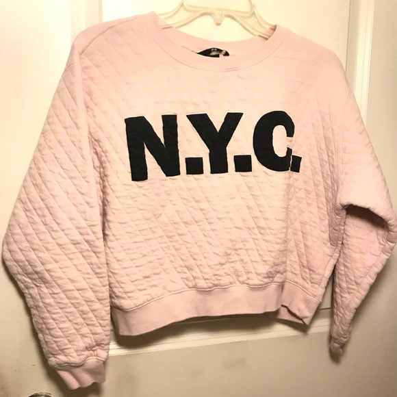 ed92087d H&M Tops | Oversized Baby Pink Quilted Crop Nyc Sweatshirt | Poshmark